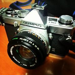 บรรจุ portra400 พร้อมลุย tripแรกจะหวยออกที่ไหนเดี๋ยวรู้กัน #om-1 #analogfilm #olympus #portra400