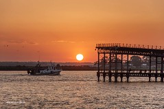 El barco (Alicia Clerencia) Tags: sunset sea water pier muelle mar agua atardece