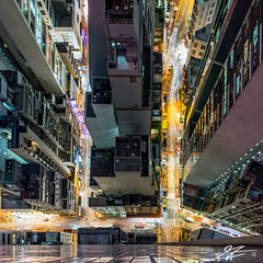 It Sees Everything (Tim van Zundert) Tags: china city roof light shadow streets cars architecture night buildings dark square island evening long exposure sony voigtlander aerial hong kong trail roads wan 1x1 21mm sheung ultron a7r