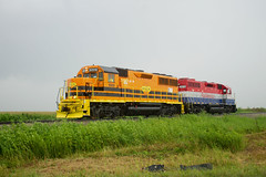 TPW 5009 East (BSTPWRAIL) Tags: tpw toledo peoria western rail road railway way railroad railamerica america gp38 cruger illinois local grain extra load loaded loads locomotive gw genesee wyoming gp50
