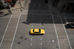 Taxi in the Itty-Bitty-City (Sharky.pics) Tags: urban city wisconsin tiltshift july cityscape 2016 miniature milwaukee downtown