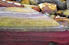 Australian Outback (Sascha Grabow) Tags: red green colors rock stone rouge heart pierre australia queensland outback australien fels stein herz farben northernterritory gestein galet schichten schattierungen gesteinsschichten