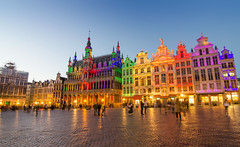 BENELUX (Voyages Lambert) Tags: beautiful capitalcities travel nopeople arranging facade dusk twilight midsection illuminated gothicstyle medieval renaissance majestic history journey multicolored old cultures famousplace architecture urbanscene outdoors brussels belgium europe delawareusstate night corridor house hotel market townsquare monument builtstructure cityscape city town grote