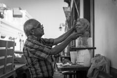 52 weeks - #31 Creativity (leo027) Tags: nikon d3300 nikkor 35mm blackandwhite bnw blanco negro retrato personas escultor trabajo project52 escultura barro