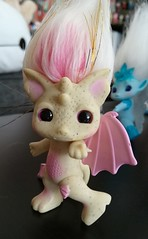 gargirl2 (meimi132) Tags: zelfs zelf series6 cute adorable trolls gargirl gargoyle yellow pink stone wings