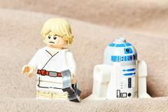 Luke & R2 (justbrickit) Tags: lego anakin skywalker r2d2 dunes star wars
