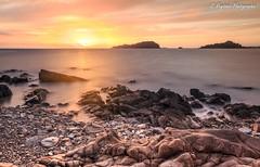 Pointe de Bihit (G. Regisser Photographie) Tags: canon 5d mark iii 24 70 f28 pointe de bihit sunrise coucher soleil orange rose ocan mer eau pierre cailloux rochers pose longue long exposure