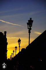 Parisian Sunset (TLY photographie) Tags: sunset paris parisien parisian ligth lumire coucherdesoleil soleil louvre tourism tourist tourisme touriste nuage clound lelouvre classic architecture downtown centreville t summer