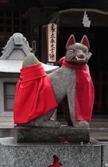 Inari (Toni Kaarttinen) Tags: japan  japonia    jap japonsko jaapan  japani japon xapn    japn jepang an tseapin giappone  japna japonija  japo  japonska japn hapon  japonya nht bn japanese kawasaki spring daishi kawasakidaishi inari statue