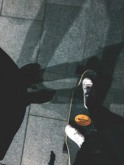 178/366 (abnormalbeauty.) Tags: shoes girl boy longboard skate fun life live night kingscross stpancras london young