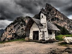 The chapel on the Passo di Falzàrego (Ostseetroll) Tags: belluno geo:lat=4651897202 geo:lon=1200810074 geotagged ita italien passodifalzarego pianfalzarego alpen alps dolomiten dolomites dolomiti italia italy kapelle falzaregopass joudefauzare chapel