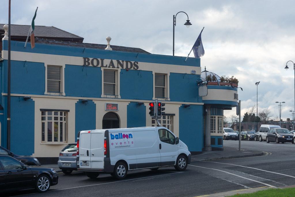Bolands Pub - Stillorgan Village Ref-100104
