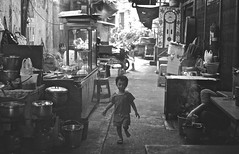 (EloseRP) Tags: street trip travel blackandwhite smile fun thailand happy chinatown child bangkok roadtrip run