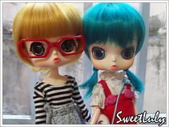 J.K. & Demi (SweetLuly) Tags: sisters glasses ginger dolls dumbo demi rement joanne bluehair eris obitsu 21cm rewigged byul formydoll byuleris byuldumbo