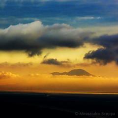 Vesuvio intra le brume (Alessandro Scoppa) Tags: sunset clouds capri tramonto nuvole vesuvius vesuvio anacapri capriisland isoladicapri