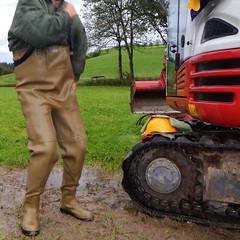 Chameau-oliv-Baustelle2838.B (Kanalgummi) Tags: rubber jacket worker bomber sewer waders kanalarbeiter bomberjacke gummihose chestwaders goutier wathose