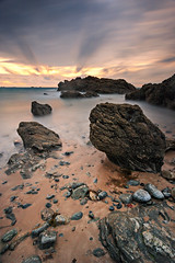 Je revais d'un autre monde ... (Ludovic Lagadec) Tags: longexposure mer france beach landscape brittany rocks marin bretagne playa breizh paysage plage manche rochers nisi mare illeetvilaine poselongue nd1000 gnd8 bretagnenord bw110 filtrend stcoulomb ludoviclagadec