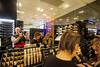 PARIGI. GALERIES LAFAYETTE. (FRANCO600D) Tags: parigi paris francia france store galerieslafayette magazzino commessa cliente spesa ferragosto prodotti moda estetica canon eos600d sigma autoritratto selfie franco600d intruso