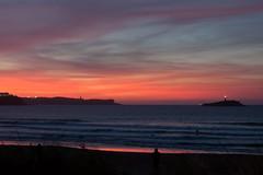 Atardecer en Somo (Guilleont) Tags: cantabria somo santander bahia isla mouro cantabrico atardecer sunset dawn beach playa mar sea espaa