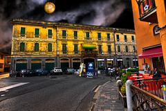 Happy hour under the moonlight (Marco Trov) Tags: marcotrov hdr canoneos5d santangelolodigiano lodi italia italy casaliberty libertyhouse