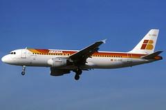 Iberia A320-211 EC-FEO BCN 15/01/1998 (jordi757) Tags: barcelona nikon airplanes bcn airbus kodachrome f90x a320 iberia kodachrome64 avions elprat a320200 lebl ecfeo