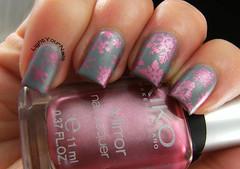 Pink snowflakes stamping mattified (Simona LightYourNails) Tags: pink blue nagellack nails kiko nailpolish nailart vernis bps rbl esmalte smalto rescuebeautylounge nailstamping kikocosmetics bornprettystore qa86