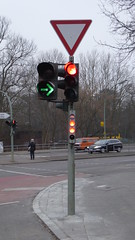 Siemens Silumin Signalgeber (Ampelfreund & Signal Hunter) Tags: road light berlin bicycle germany deutschland lights traffic small siemens pedestrian signal verkehr ampel fahrrad ksg geber strase verkehrsampel signalgeber fusgnger silumin kleinsignalgeber