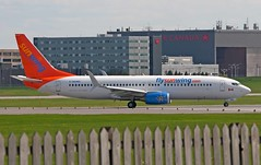 Sunwing Boeing 737-86J C-GOWG (Fasil Avgeek (Global Planespotter)) Tags: airplane airport montreal aircraft air jet boeing airways airlines 800 airliner 737 yul sunwing cyul 73786j cgowg