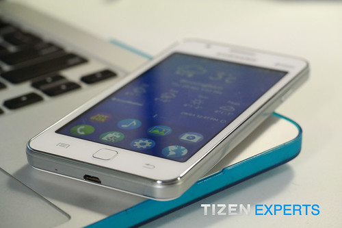 "Hands-On-Samsung-SM-Z130H-DS-Tizen-Smart-Phone-TizenExperts-2 • <a style=""font-size:0.8em;"" href=""http://www.flickr.com/photos/108840277@N03/16209660617/"" target=""_blank"">View on Flickr</a>"