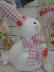 20150219_170719 (adriana.comelli) Tags: capa coelhos cadeira pascoa cestas ninhos cenouras guirlandas