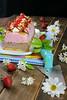 BANANA SPLIT ICE CREAM CAKE (by Ana Mª Espada) Tags: cookthecake helados food frutas fresas chocolate postre plátano dulce retoalfabetodulce repostería recetas recipes dulcedeleche tartahelada verano summer