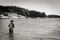 Finding the boats (grilljam) Tags: august2016 summer seamus 4yrs hendricksheadbeach
