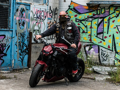 P1200412 (O.Th Photographie) Tags: fighter motorrad blutwurst prchen industrie alt ps gefhrlich grafiti look badboy elbside fighters