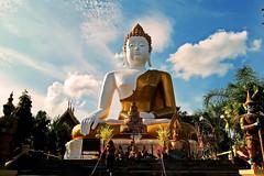 Wat Prathat Doi Kam.  (ol'pete) Tags: watprathatdoikam   wat temple thailand  buddhist chiangmai2015 earthasia