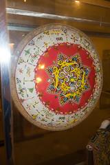 Aboriginal Iban bead basket (quinet) Tags: 2015 aborigne borneo iban korbflechterei kuching kuchingtextilemuseum malaysia perlen sarawak ureinwohner aboriginal basket basketweaving beads native perles textile vannerie