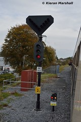 Signal AE412 and AE412(S), Athlone, 22/10/16 (hurricanemk1c) Tags: 0955connollylimerick rpsi westernexplorer railways railway train trains irish rail irishrail iarnrd ireann iarnrdireann 2016 infrastructure athlone signal ae412