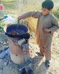 Corn Lovers .. #Corn #Pashtun #Peshawar #Pakistan #Mashom #PekhawarKhoPekhawarDeKana #PeshawarCity (PeshawarX) Tags: peshawar corn pashtun peshawarcity mashom pakistan pekhawarkhopekhawardekana