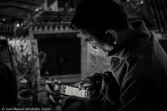 WhatsAppeando en japons (juanmatruji) Tags: streetphoto streetphotography2016 streetphotography sannicols japanese granada spain fujifilmx pentax pentaxm 35mm