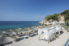 Albanien: spile beach Himerë