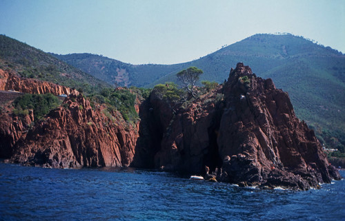 "115F Massif de l'Esterel • <a style=""font-size:0.8em;"" href=""http://www.flickr.com/photos/69570948@N04/15758067889/"" target=""_blank"">View on Flickr</a>"