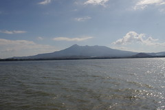 Cruise Granada to Ometepe Island, Nicaragua (ARNAUD_Z_VOYAGE) Tags: cruise blue sunset sky cloud sun white lake black color colors clouds america landscape island volcano boat site amazing view pentax centro central granada huge nicaragua volcanoes region department ometepe centrale volcan kx