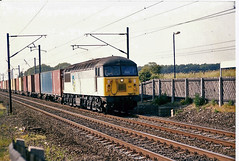 56061 Thirsk (British Rail 1980s and 1990s) Tags: br britishrail class56 freightliner 56061 56 train rail railway station diesel loco locomotive freight railfreight 90s 1990s type5 nineties livery trains er easternregion ecml eastcoastmainline mainline liveried traction