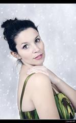 Vanessa - 2/7 (Pogdorica) Tags: vanessa retrato estudio modelo sesion hielo dama posado