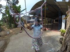 Seifenblasen in Behinderteneinrichtung in Ittapana, Sri Lanka 14