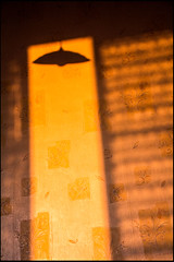 20130719-1216 (sulamith.sallmann) Tags: light shadow france lamp lampe licht frankreich europa interior interieur raum zimmer normandie lamps sonne schatten innenraum manche fra beleuchtung lampen abendsonne abendlicht lahague bassenormandie innenrume siouville