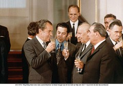 NA013478 (ngao5) Tags: people male men history holding european adult wine champagne president politics group beverage drinking celebration american soviet prominentpersons government leader russian premier groupofpeople sovietunion richardnixon diplomacy drinkingglass northamerican alcoholicbeverage politicalandsocialissues middleaged champagneglass internationalrelations headofstate leonidbrezhnev governmentofficial politicalleader nikitakhrushchev caucasianethnicity easterneuropeandescent easterneuropeanculture strategicarmslimitationtalks saltitreaty