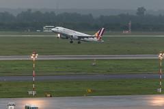 IMG_7832 (Benedikt Lang) Tags: 4u9772 a319112 daknu dus dusprg gwi83a planespotting airport germany eddl aircraft morning rain night dsseldorf nordrheinwestfalen deutschland de