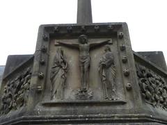 Crucifixion (Granpic) Tags: dorset bournemouth bournemouthchurch stpetersbournemouth churchyard cross stonecross carving sculpture thomasearp georgeedmundstreet crucifixion