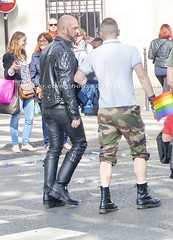 bootsservice 16 480518 (bootsservice) Tags: paris gay pride marche des fierts bottes cuir boots leather motards motos motorcyclists motorbiker caoutchouc rubber uniforme uniform orlando