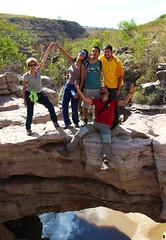 El puente de la amistad (A. Malln) Tags: puente de la amistad toro bolivia amigos cooperantes